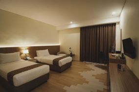 hotel golden tulip 3