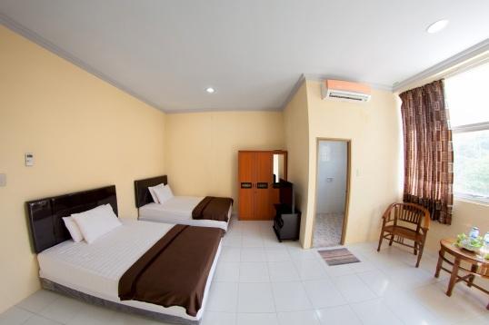 hotel lux melati 4